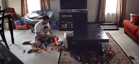 Papa et son fils la maison bebe for Accouchement a la maison youtube